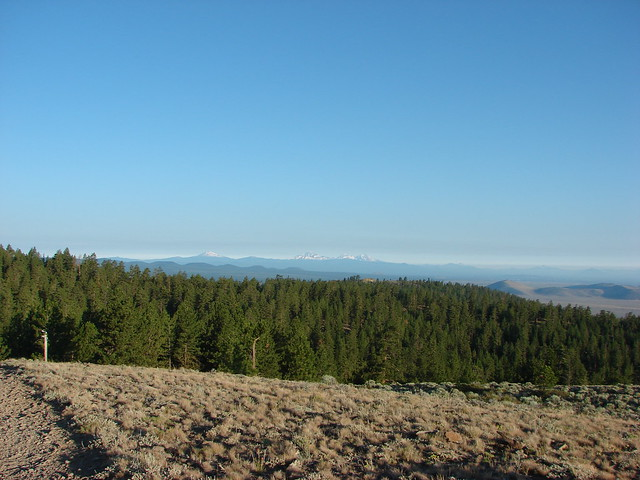 Mt. Bachelor, Tumalo Mountain, Broken Top and the Three Sisters from Pine Mountain
