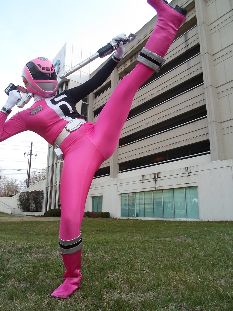 Japanese pink power ranger in trouble - 1 part 6