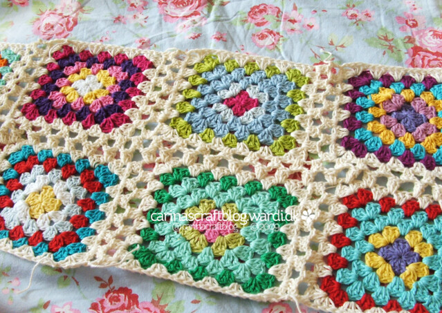 Crochet tutorial: joining granny squares 17 Flickr - Photo Sharing!