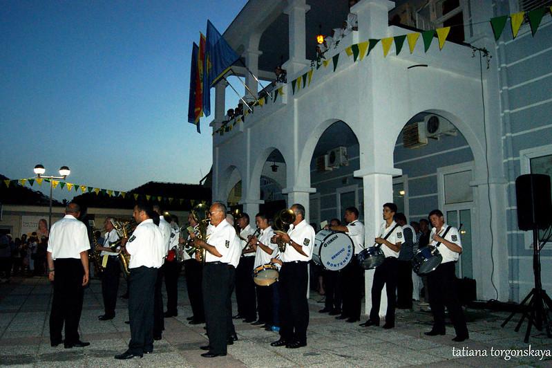 Оркестр перед  перед Культурно-спортивным центром