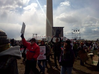 The ppl behind us at the #forwardonclimate rally stage area @350 | by 350mass