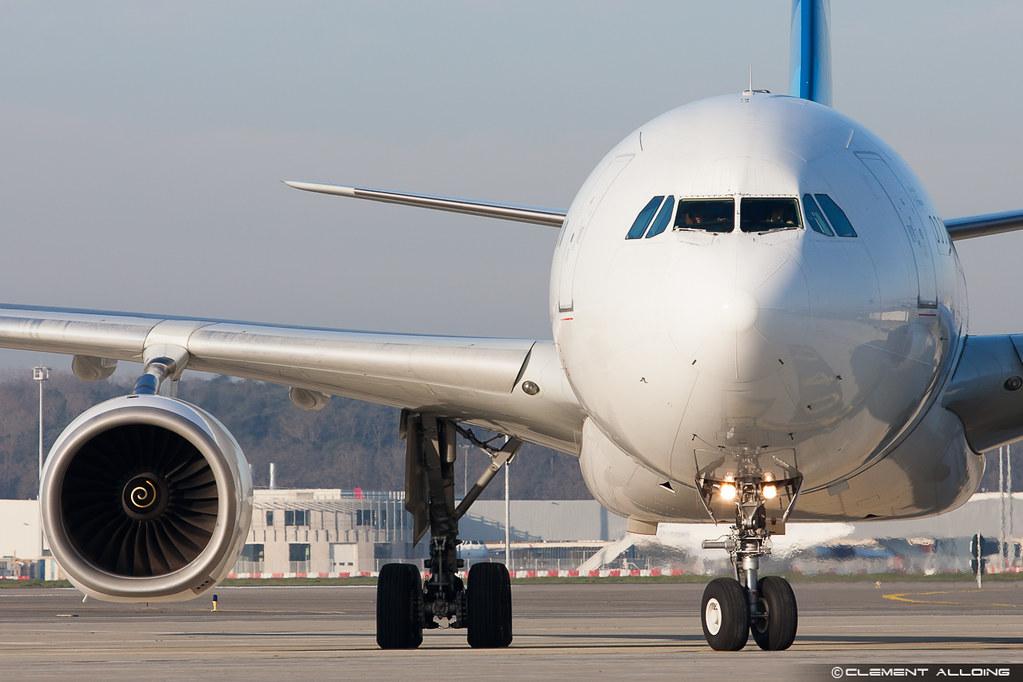 Xl airways airbus a330 243 cn 250 c ggts cl ment alloing for Airbus a330 xl airways interieur