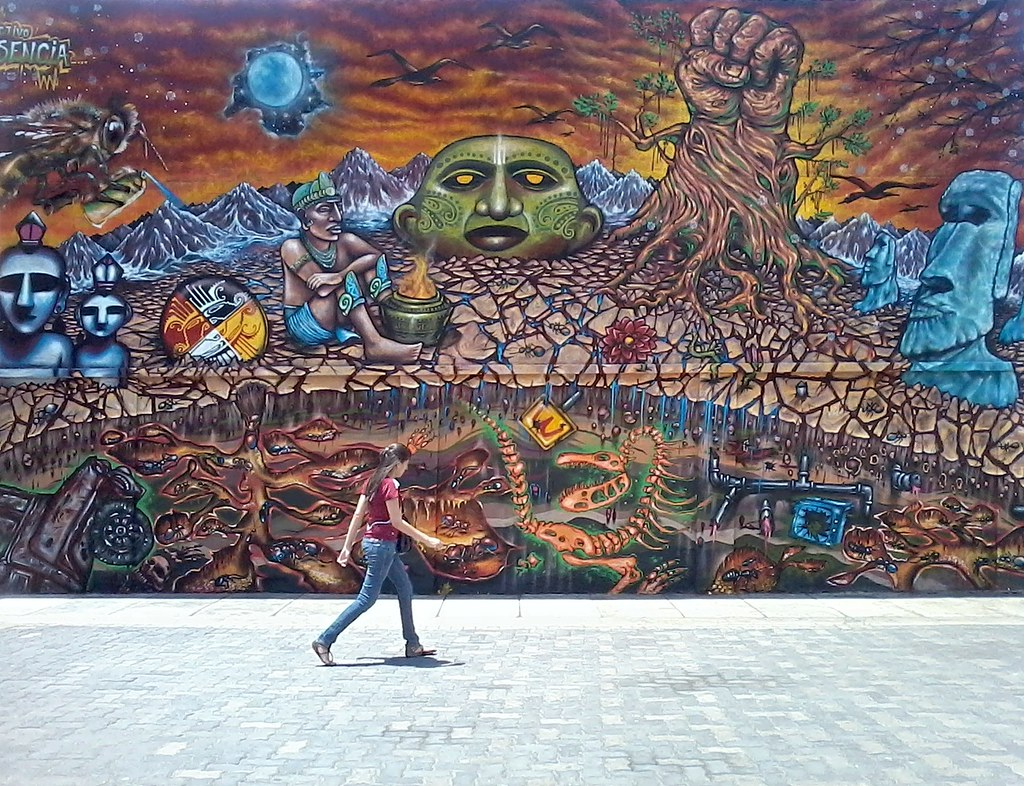 Mural en sabana grande este mural pintado por el for Arte colectivo mural