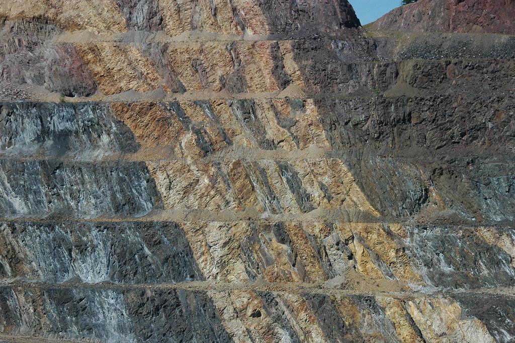 Rhyolite Dikes Tertiary In Homestake Formation Metamorph