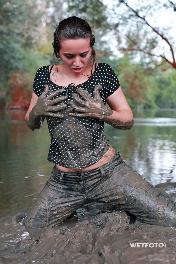 247 wetlook with smiling wet girl in messy pants sexy br