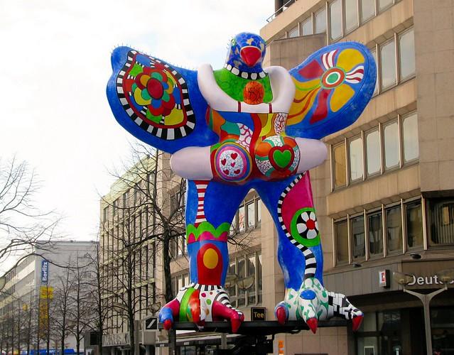 Niki de saint phalle/Jean Tingueley, Lifesaver fountain