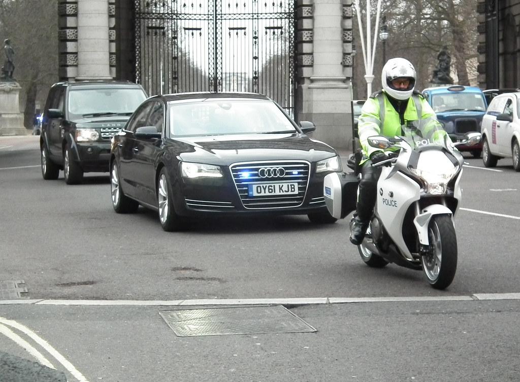 Met Police Seg Convoy Unmarked 2011 Audi A6 Se Tdi