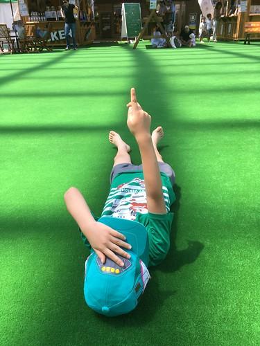 恵比寿ガーデンプレイスの人工芝広場 2016.7.30