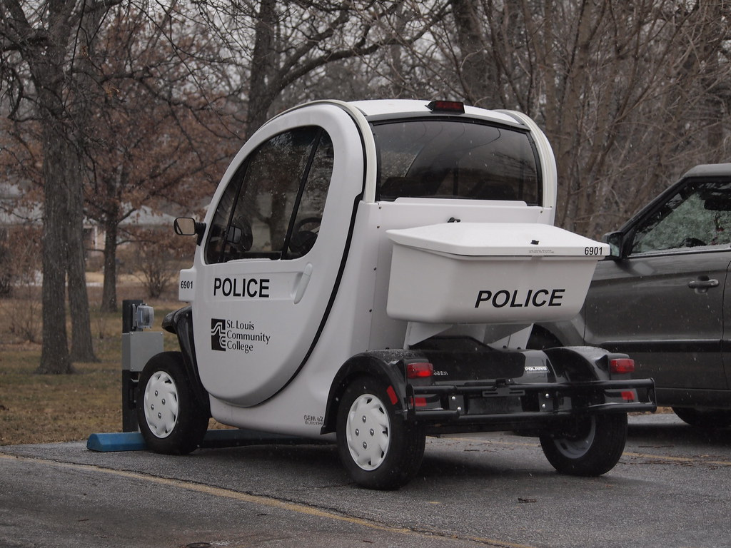 Polaris GEM e2 Campus Police Electric Car at St. Louis Com…   Flickr
