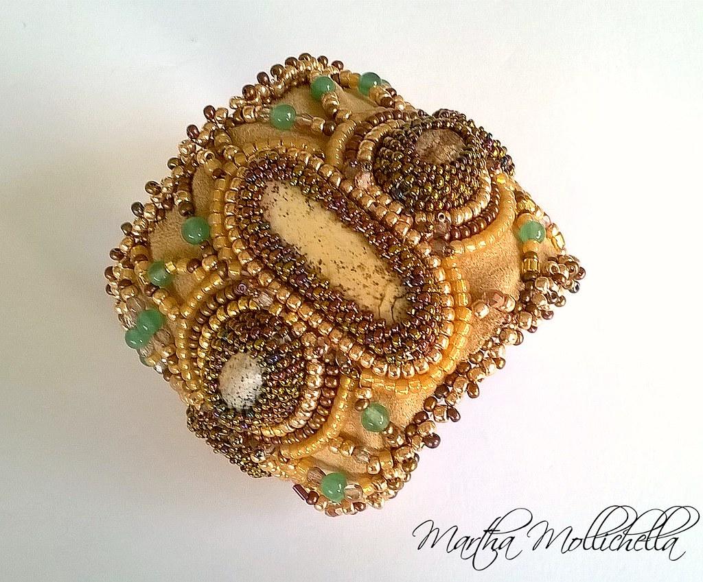 diaspro paesaggio, avventurina, collana, ciondolo, bracciale bead embroidery ricamato a mano da Martha Mollichella