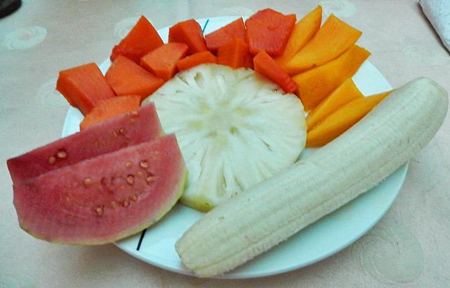 casa-fruit-breakfast