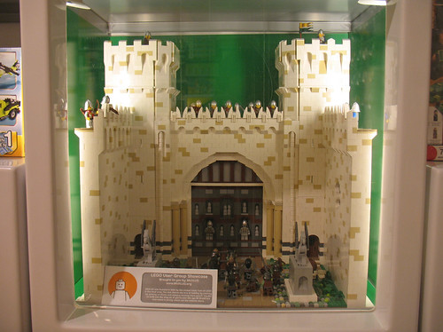 LEGO Model of Main Gate of Minas Tirith, Middle Earth - Display at Summerset Collection LEGO store | by DecoJim