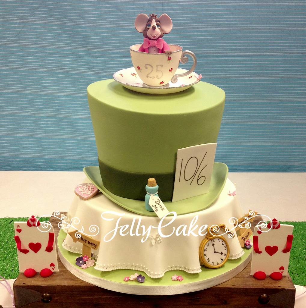 Alice in Wonderland Wedding Cake | All set up at the venue w… | Flickr