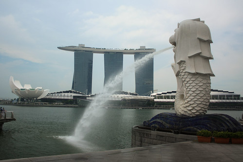 Marina Bay Sands, Art-Science Museum and Merlion, Singapore | by Albert Freeman