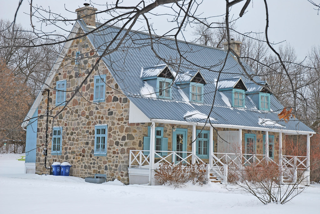 Maison des employ s du domaine du bois de la roche 297 c for Cintrer du bois a la maison