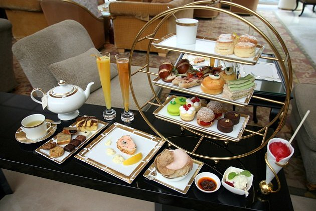 CHIHULY-LOUNGE-Ritz-Carlton-Millenia-Singapore | best