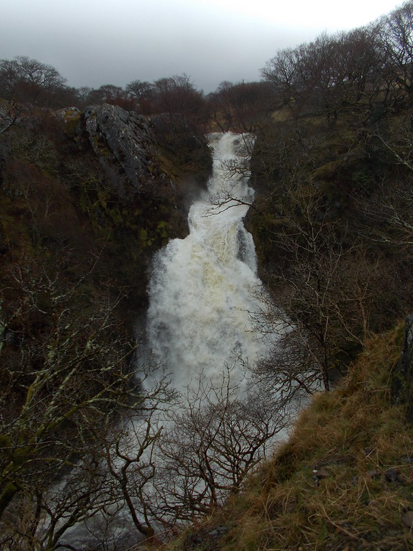 Ceunant mawr waterfall
