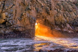 Golden light in the Pfeiffer Arch | by mojo2u