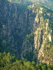 L'entaille du canyon de Lora