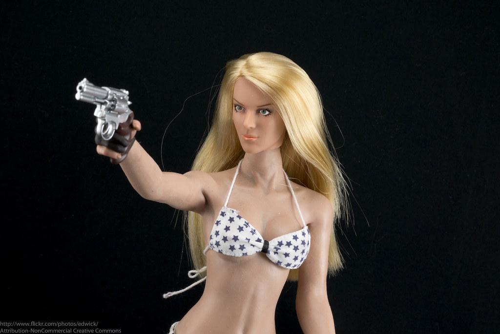"Phicen ""Hot Toys ... Milla Jovovich"