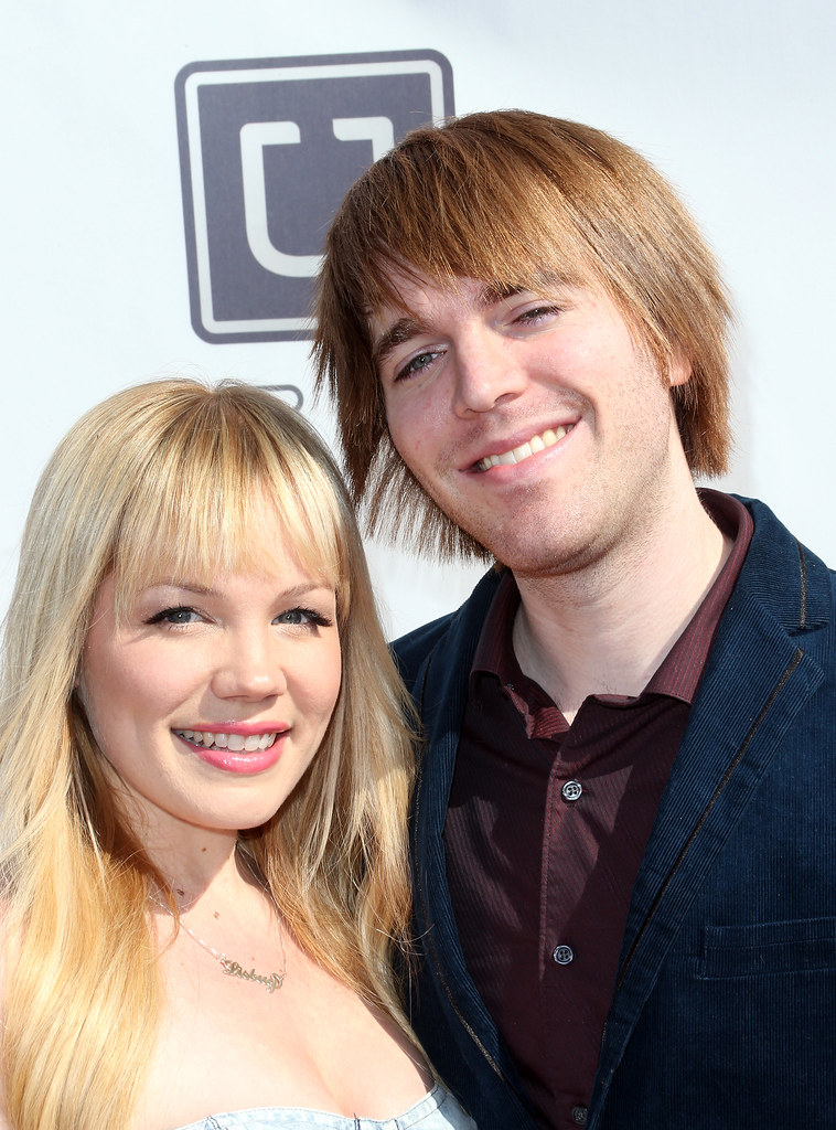 Lisa Schwartz And Shane Dawson HOLLYWOOD CA FEBRUARY