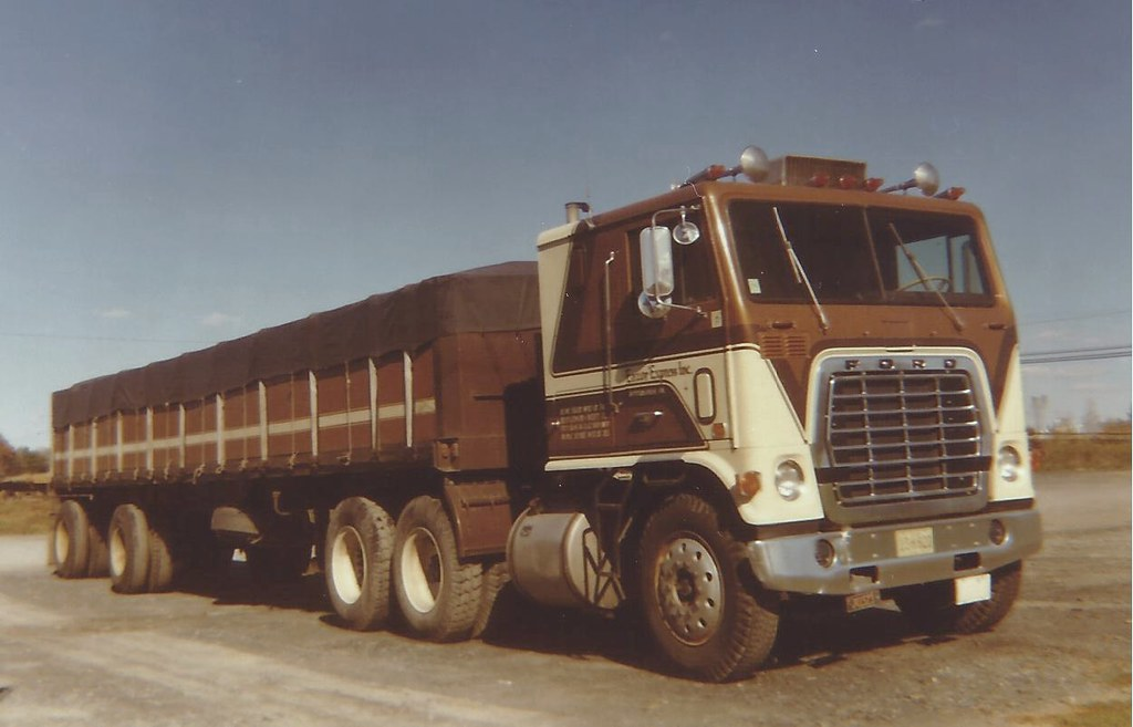 Ford W Model 1974 The Louisville Grille Was Adapted To