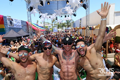 07-16-16 Pride Parade Prty (63)