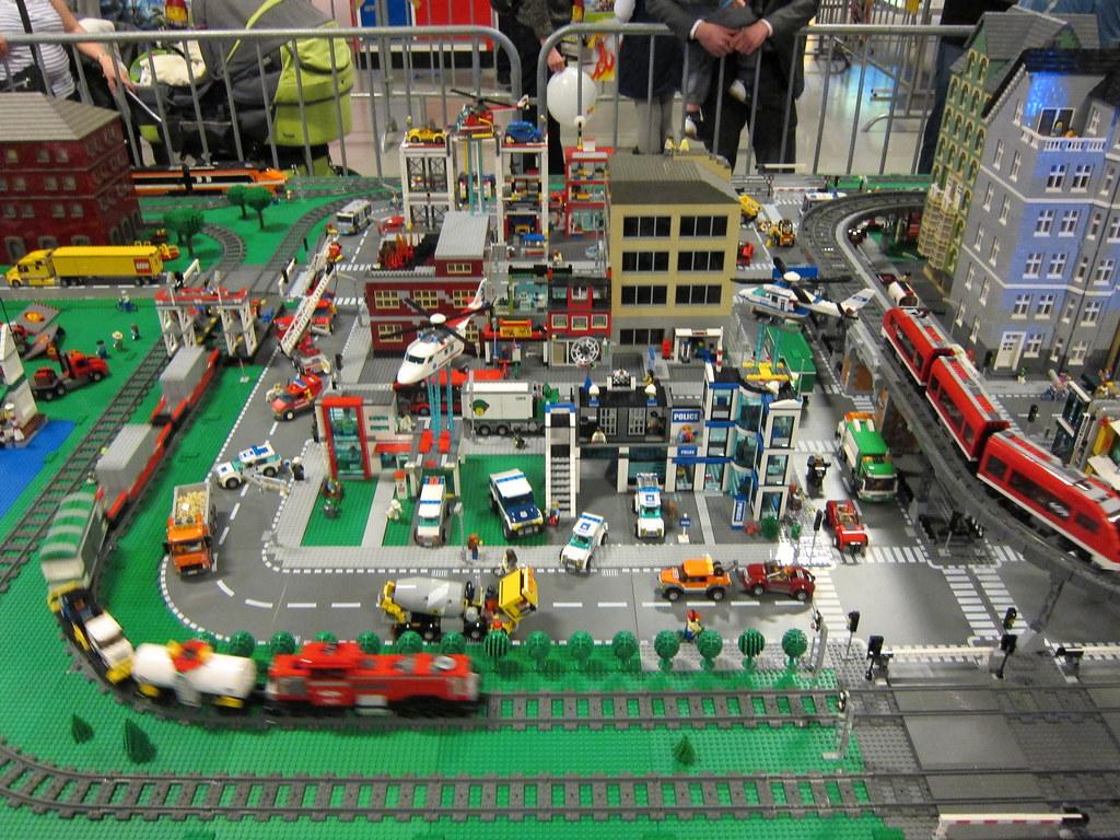 LEGOWorld 2013 | LEGO City Display | wiredforlego | Flickr