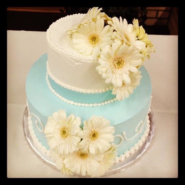 gerbera daisy wedding cakes gerbera wedding cake flickr photo 14667