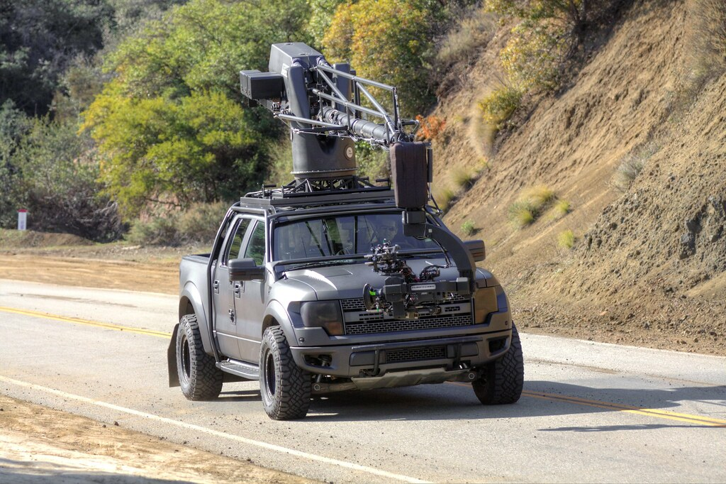 Những siêu xe đắt xắt ra miếng từng được dùng để làm xe quay phim