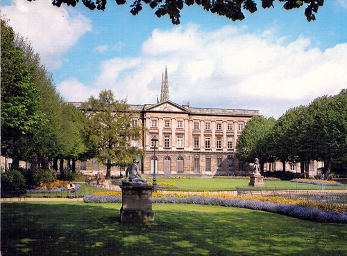 H tel de ville de bordeaux palais rohan vue sur le jardi for Le jardin de la france