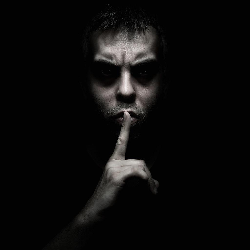 Shhh... | Self p. :) Strobist:...