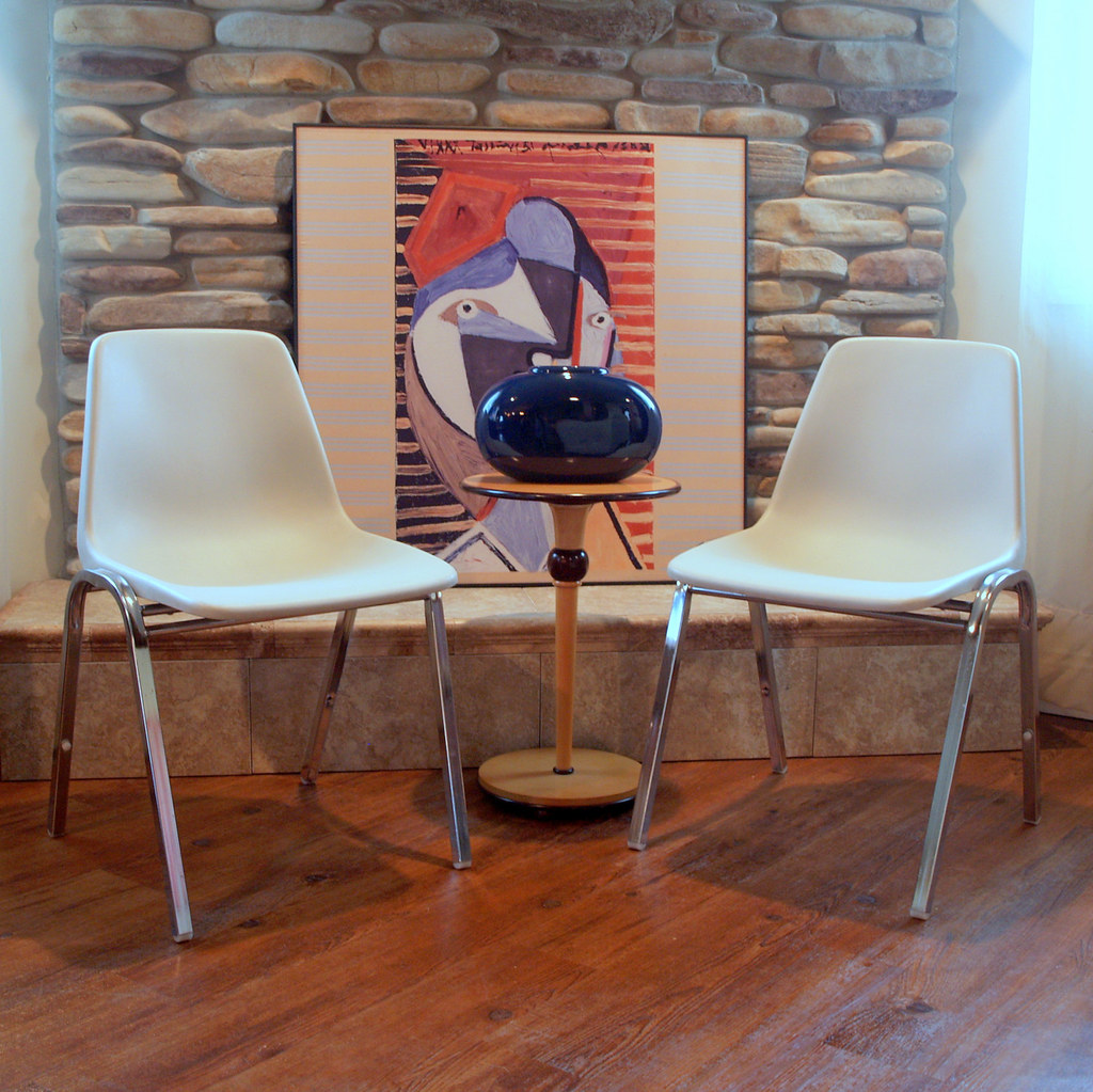 Merveilleux ... Pair Of Chairs 2 VINTAGE WHITE SHELL Chairs Eames Style H Base Circa  1960 By Hon