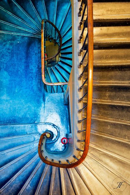 Escalier central de la police judiciaire 36 quai des orf vres flickr pho - Police judiciaire paris 36 quai des orfevres ...