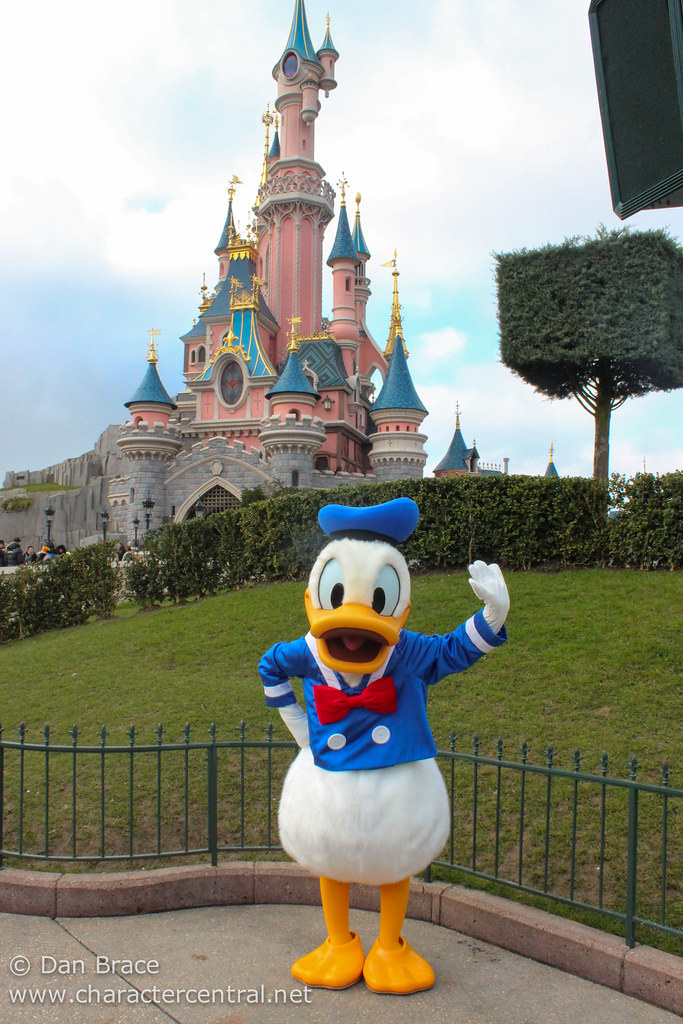 Meeting Donald and Daisy Duck | Disneyland Park ...