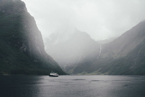 Cruising the rainy fjords in Norway | by vonderauvisuals