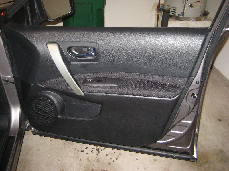 2011 Nissan Rogue Front Door Panel - Removing To Upgrade S… | Flickr