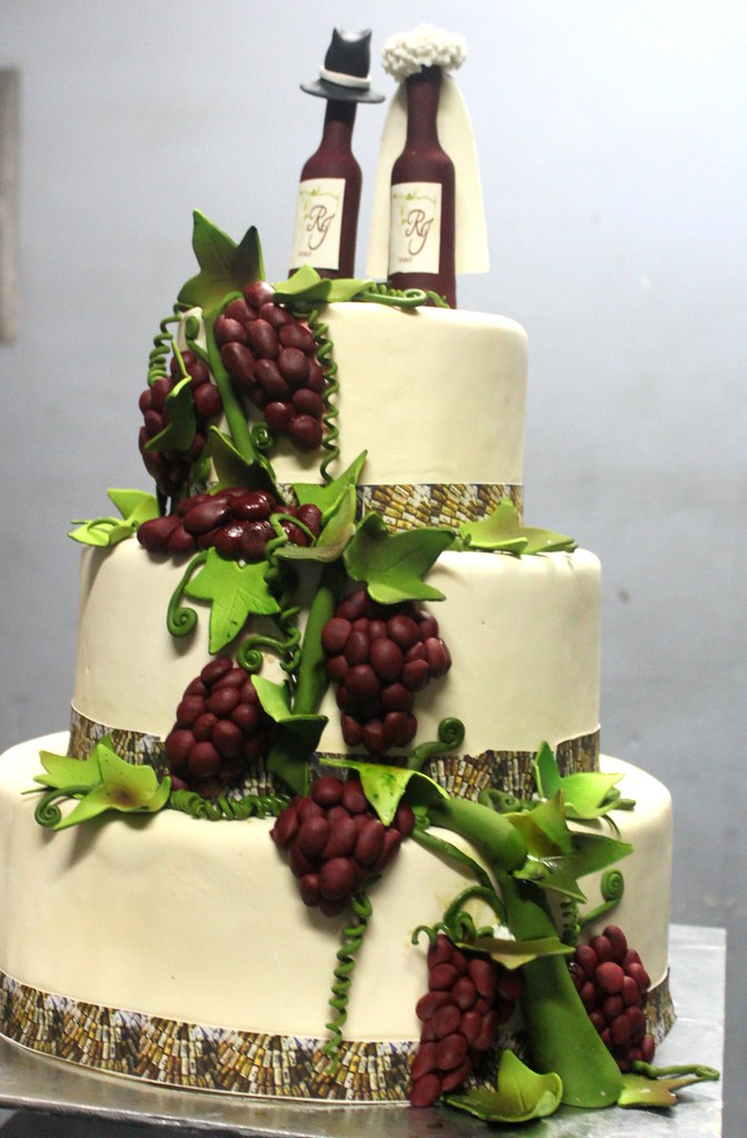 vineyard themed wedding cakes grape wine wedding cake ordering cake is easy log on to 21598
