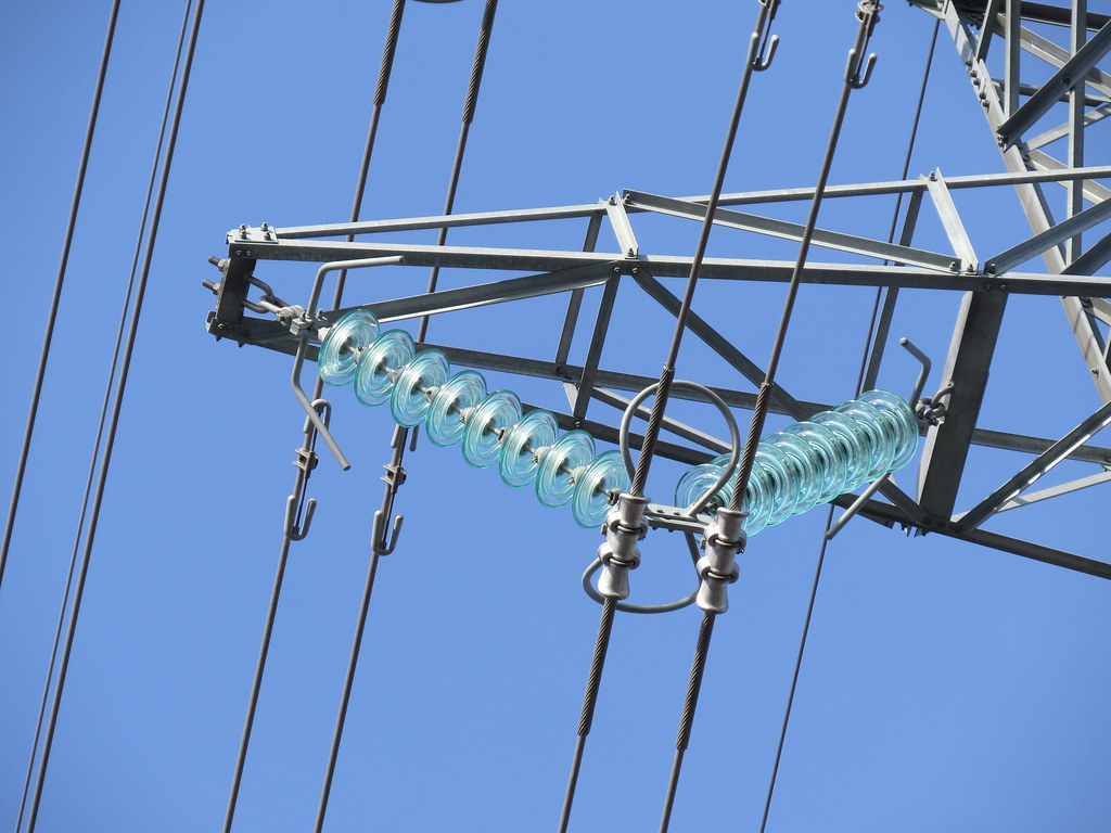 Glass disc insulators in a 110 kv power line vesa linja for Power line insulators glass