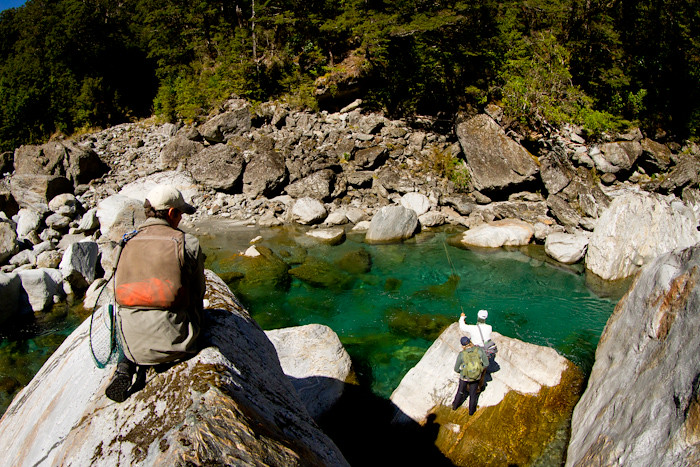 New zealand fly fishing guides cedar lodge south island for Fly fishing guide jobs