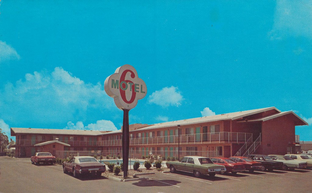 Motel 6 - Escondido, California