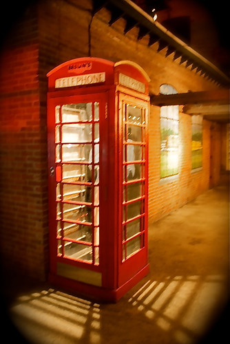 British telephone booth at Brown's | by 44.7MHz