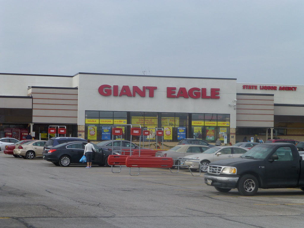Giant Eagle In Willoughby Hills Ohio This Does Not Look L Flickr
