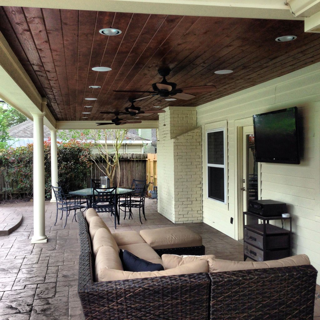 Outdoor living room walnut bend texas texas custom for Cool outdoor patio ideas