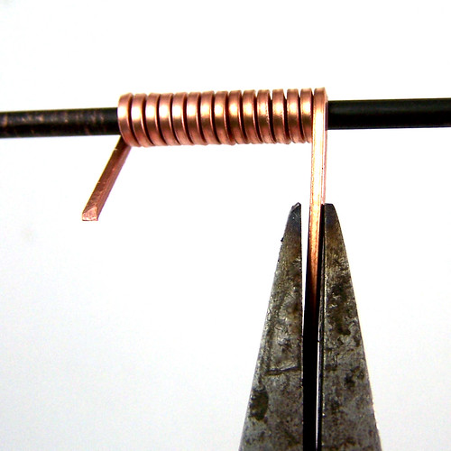 Making Jump Rings with Square Wire | by AutEvDesigns