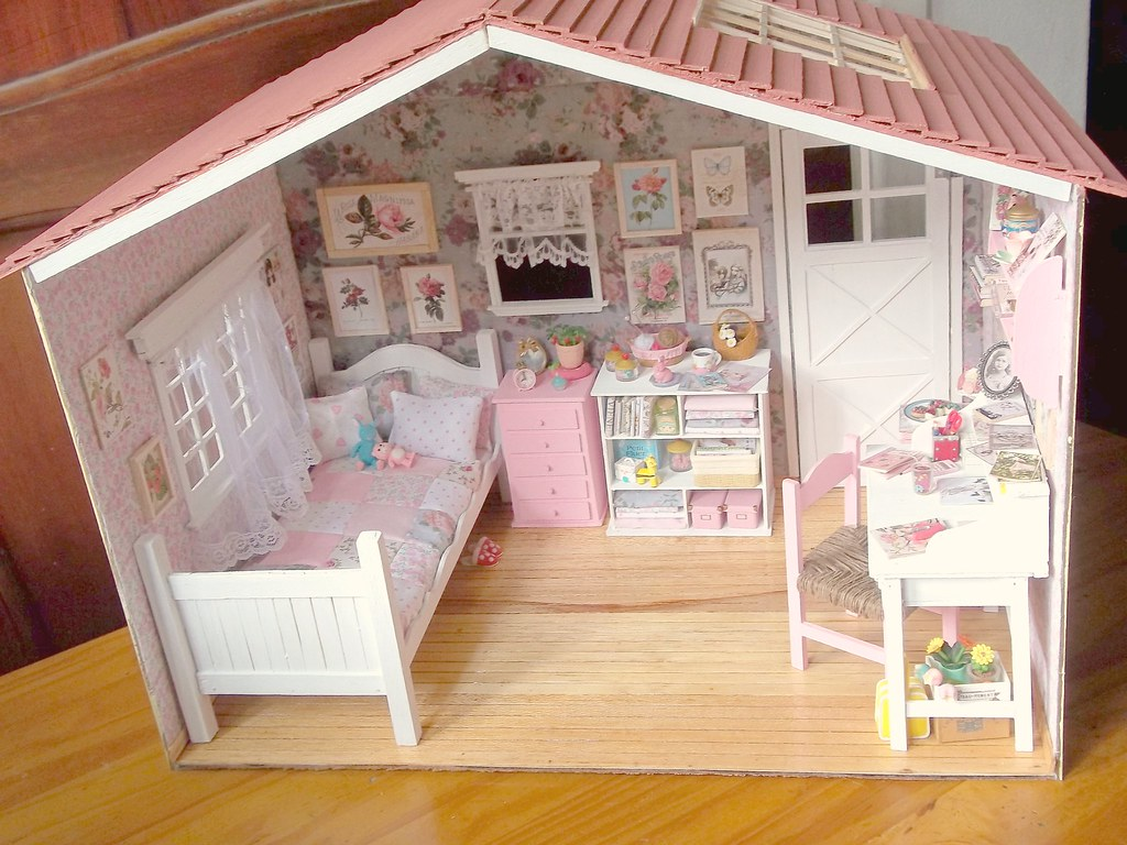 my handmade dollhouse  diorama