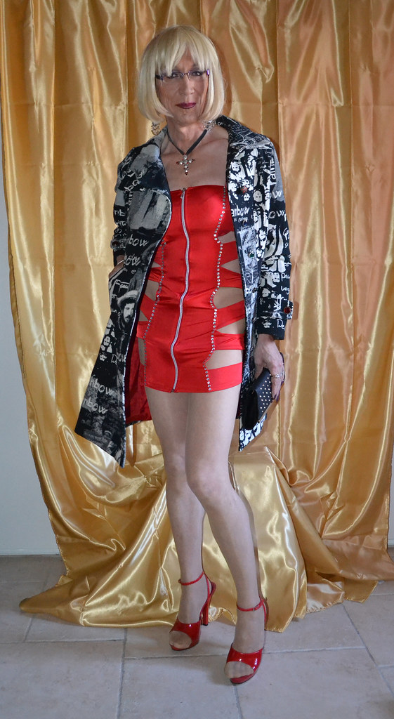 Robe Rouge New York Fashion