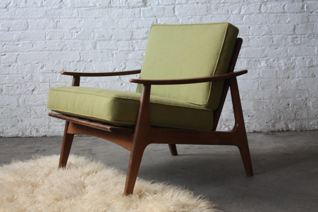 Sharp Danish Mid Century Modern Lounge Chair U S A 1960