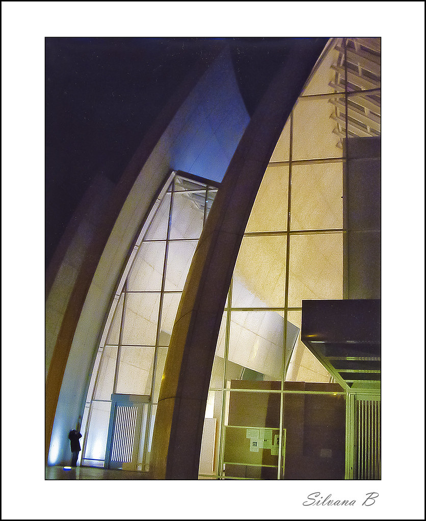 Opera dell 39 architetto richard meier la chiesa di tor tre for Richard meier architetto