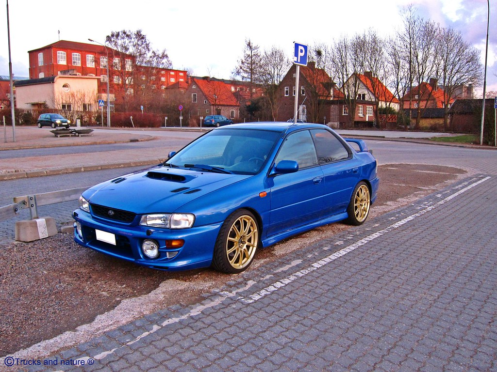subaru impreza gt a nice blue subaru impreza gt with a big flickr. Black Bedroom Furniture Sets. Home Design Ideas